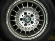 Old-Timer Aluräder BMW E34 mit Michelin Sommer